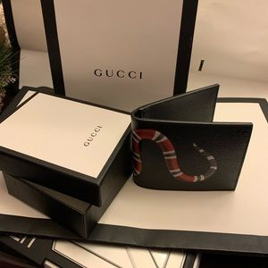 Authentic Mens Gucci wallet